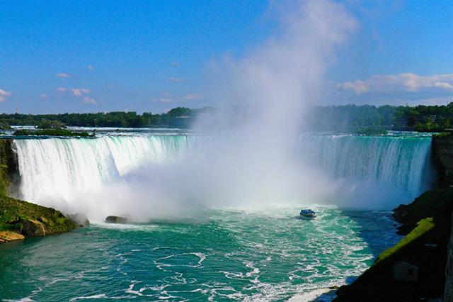 """Những cái """"nhất"""" ở Toronto khiến du khách thích thú"""